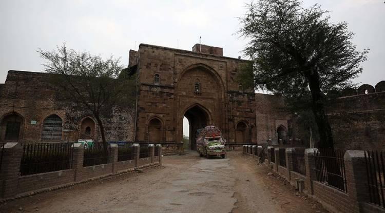 İslam mimarisinin benzersiz eserlerinden Rohtas Kalesi