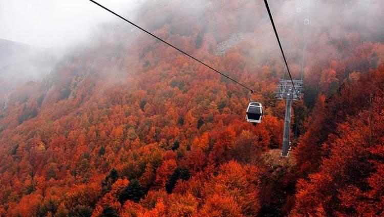 Uludağ'a teleferikle rengarenk sonbahar yolculuğu
